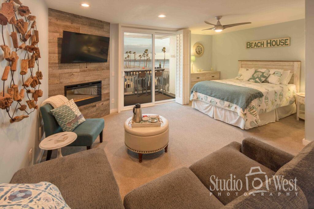 Vacation Rental Photography - Room Interior - Beach Condo rental Photographer - Architectural Interior Photography - Professional Room Photography - Oceanside California - Studio 101 West Photography
