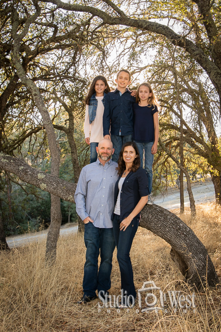 San Luis Obispo family portrait photographer - outdoor family portraits - Atascadero portrait photography - Studio 101 West Photography