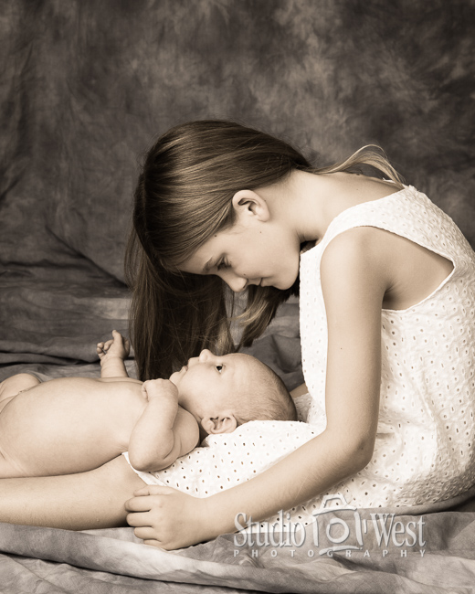 Sweet Baby Portrait - Sibling Photo - Baby Photo Shoot - Studio 101 West Photography