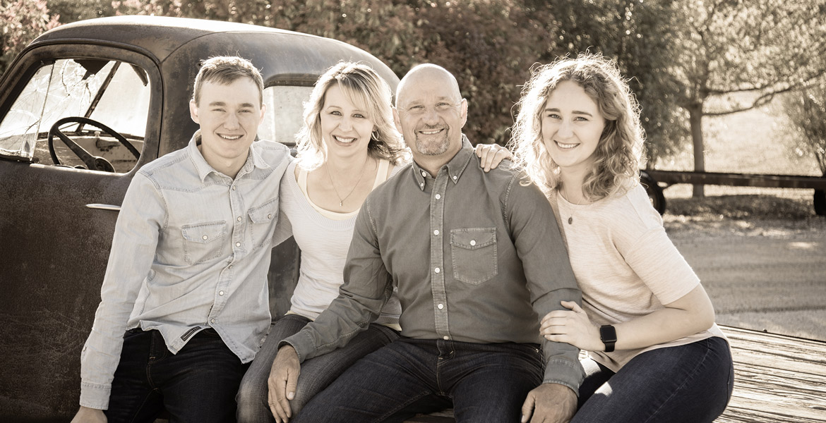 Atascadero Outdoor Family Portrait - Winery Family Pictures - Studio 101 West Photography