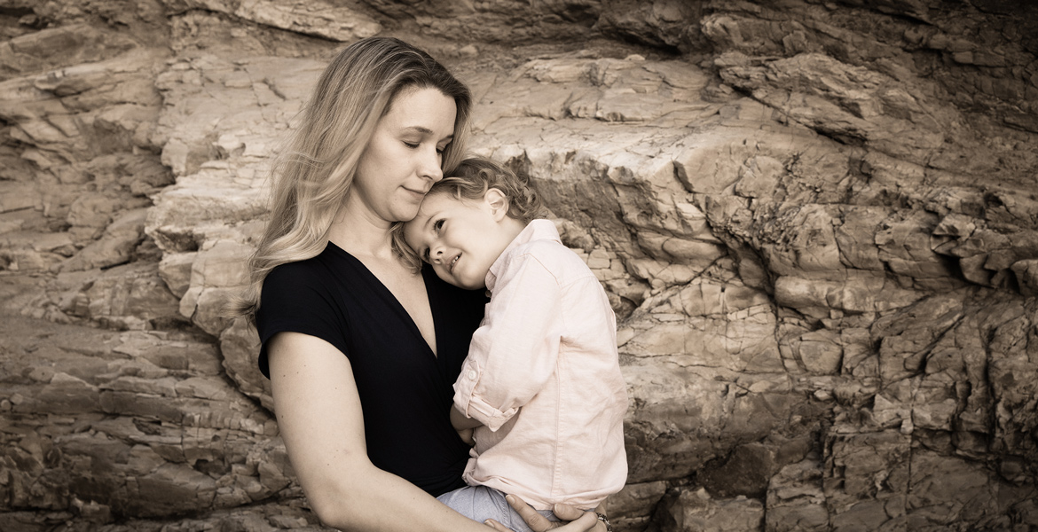 Pismo Beach Family Portrait - Mom Child Family Pictures - Studio 101 West Photography